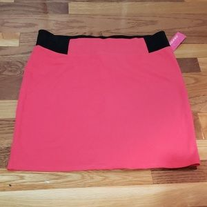 Exhilaration womens skirt new size L stretchable